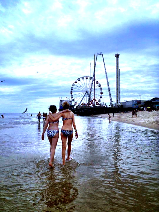 Jersey Shore Post Prom Circa Summer 2011 with my best friend Rachel (better known as my #worldtravelingbestie, there's more of her to come)