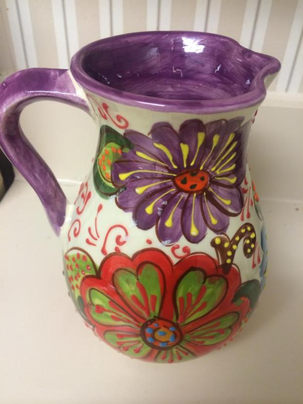 I found this beautiful sangria jug in the Born district of Barcelona which is well known for their shopping. I obviously was drawn to it for the overwhelming amount of purple ceramic - can't wait to put this to good use!